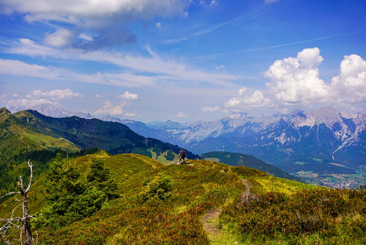 eindeloze mountainbike trail reizen oostenrijk